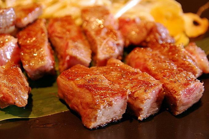 お肉屋さんのプレミアム仙台牛サイコロステーキ
